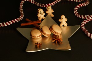 Gingerbread macarons with lemon curd filling at schabakery,com