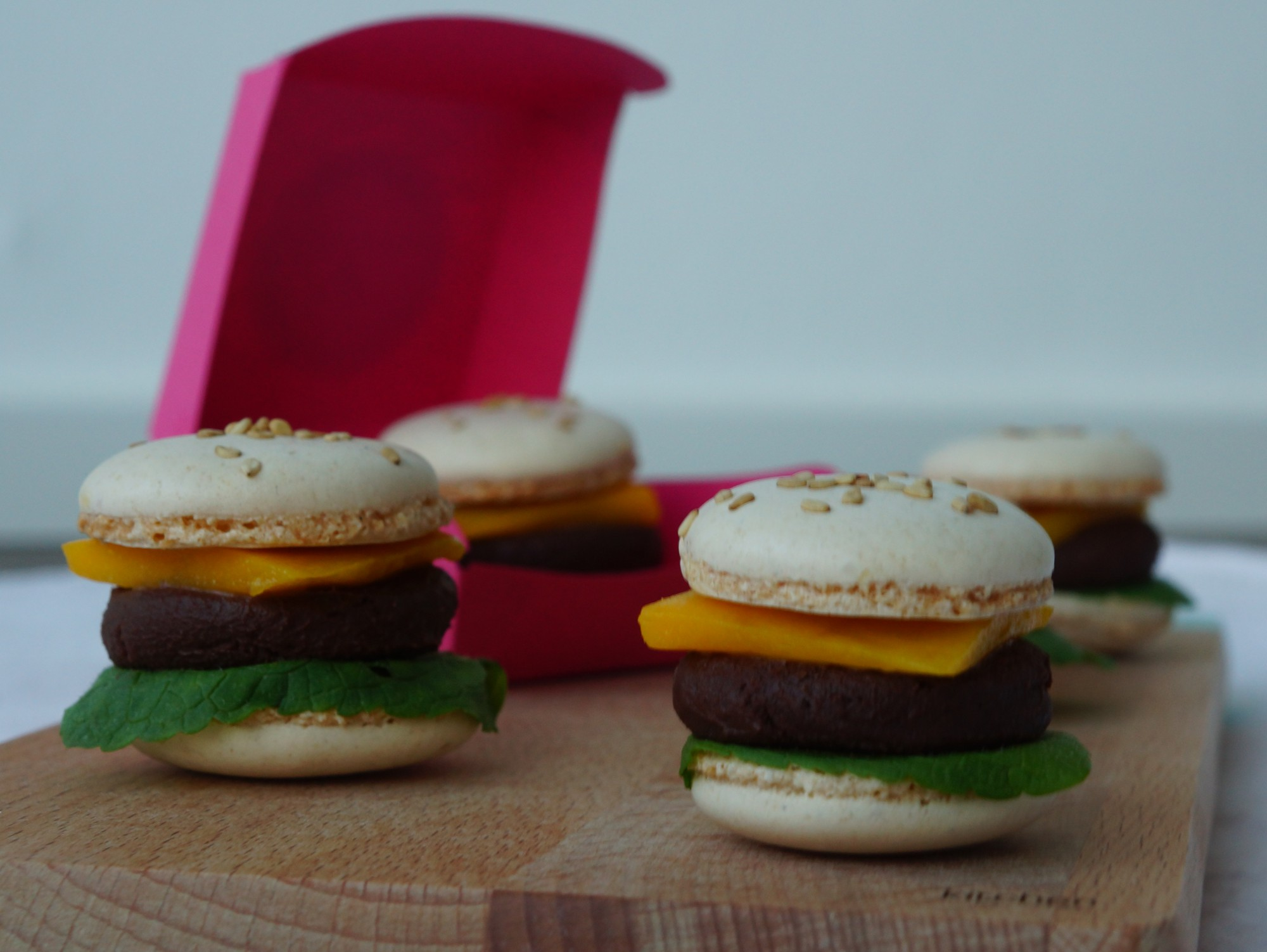 Macaron Buger with mint, chocolate and mango | schabakery.com